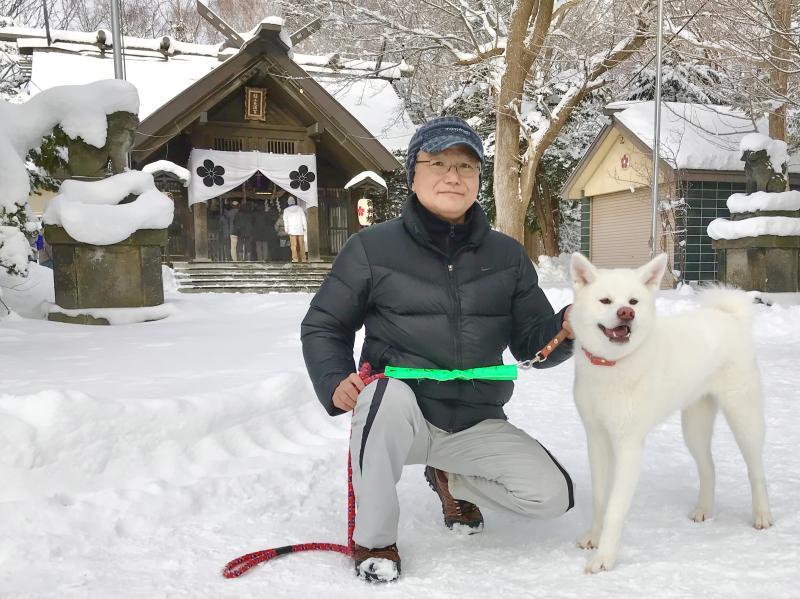 秋田犬と初詣